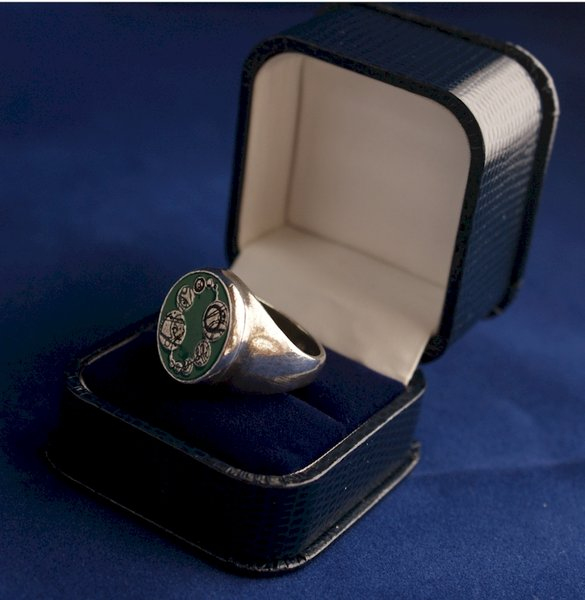 Doctor Who Official Masters Ring Prop Replica in Pewter